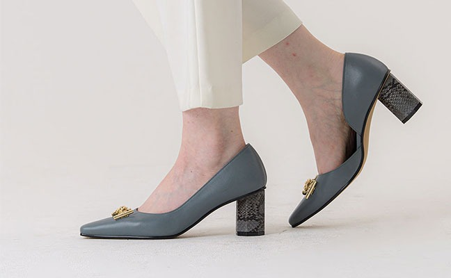 side open detail pumps