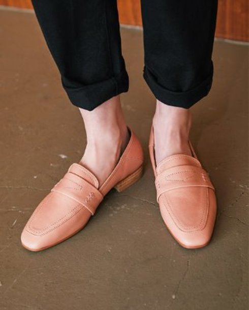 natural simple loafer