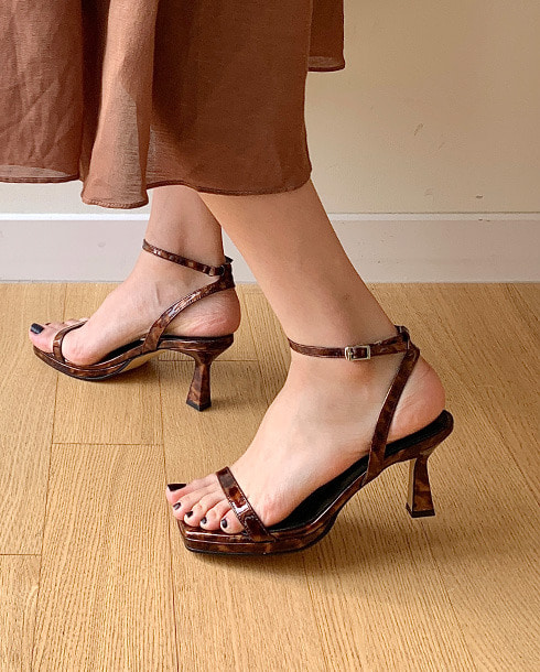 simply strap sandal hill_leopard